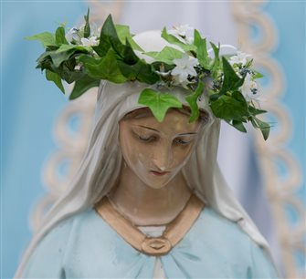 Parishes help children celebrate Blessed Mother with May Crownings
